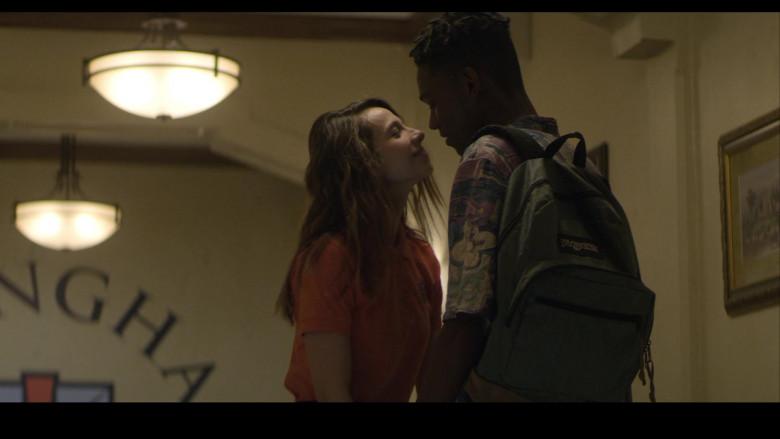 JanSport Backpack of Myles Evans as Miles in Teenage Bounty Hunters S01E05