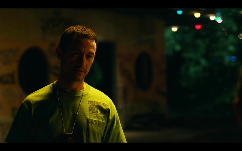 Joseph Gordon-Levitt as Frank Wears Fishermen's Friend Bait Shop Green Tee Outfit
