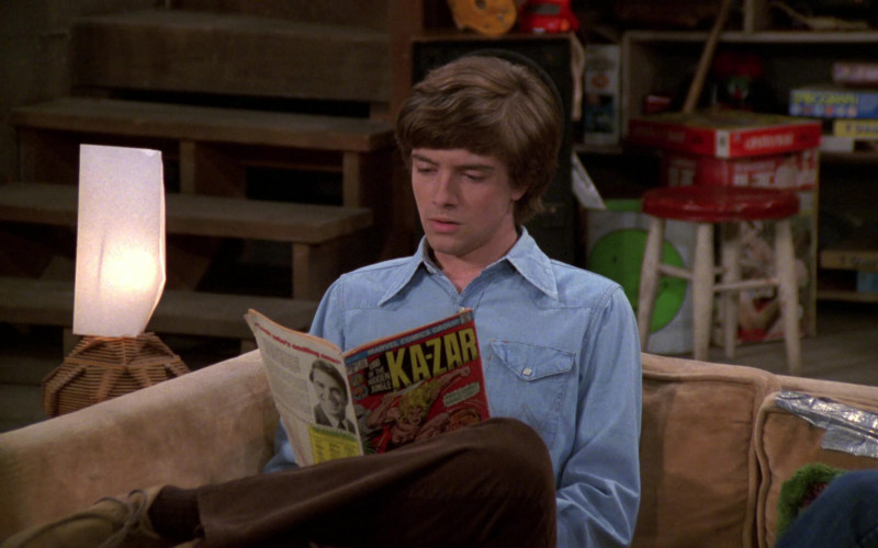 Ka-Zar Marvel Comics Held by Topher Grace as Eric Forman in That '70s Show S02E17