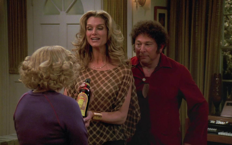 Kahlúa Liqueur in That '70s Show S06E20 Squeeze Box (2004)