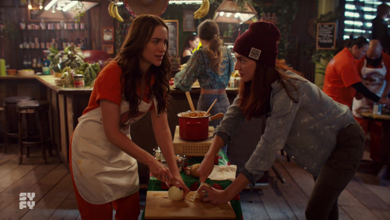 Katherine Barrell as Nicole Wears Camp Brand Goods Beanie Outfit in Wynonna Earp S04E03 TV Show (2)