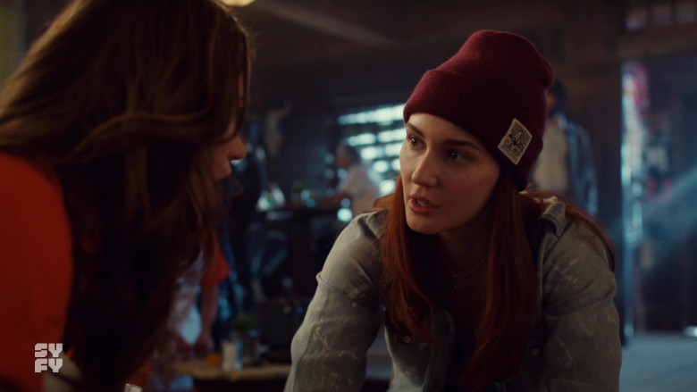 Katherine Barrell as Nicole Wears Camp Brand Goods Beanie Outfit in Wynonna Earp S04E03 TV Show (3)