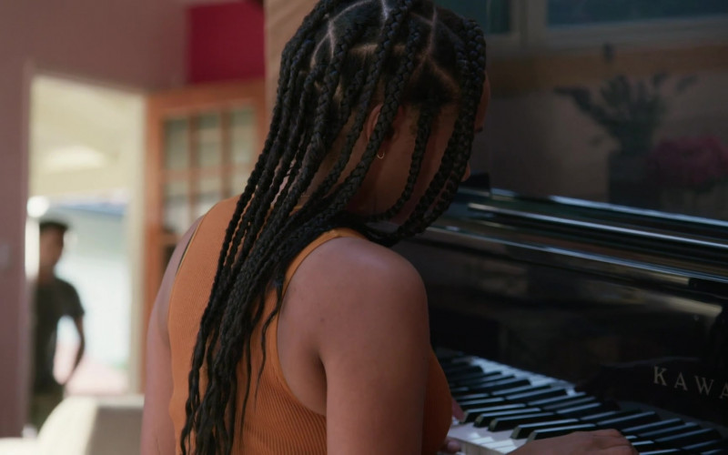 Kawai Piano of Nicolette Robinson as Sade in Love in the Time of Corona S01E03 (1)