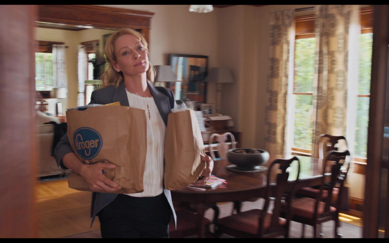 Kroger Grocery Store Bags Held by Uma Thurman as Sally in The War with Grandpa Movie (1)