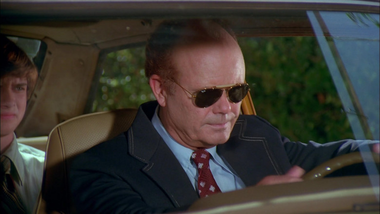 Kurtwood Smith as Red Forman Wears Ray-Ban Outdoorsman Aviator Sunglasses in That '70s Show