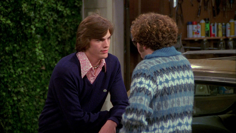 Lacoste Blue V-Neck Sweater Outfit Worn by Ashton Kutcher as Michael Kelso in That '70s Show S02E22 (1)