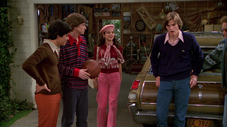 Lacoste Blue V-Neck Sweater Outfit Worn by Ashton Kutcher as Michael Kelso in That '70s Show S02E22 (3)