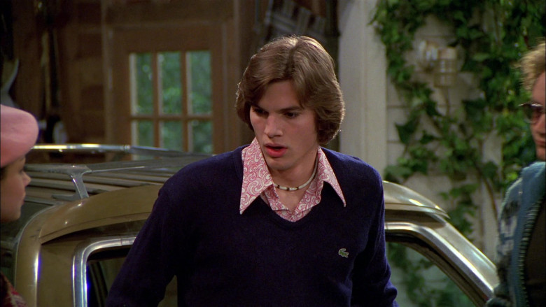 Lacoste Blue V-Neck Sweater Outfit Worn by Ashton Kutcher as Michael Kelso in That '70s Show S02E22 (4)