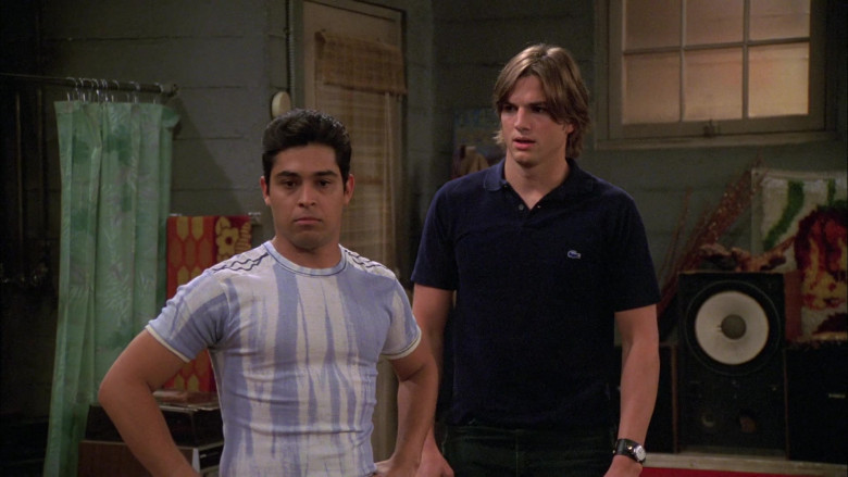 Lacoste Polo Shirt of Ashton Kutcher as Michael Kelso in That '70s Show S08E04 (2)