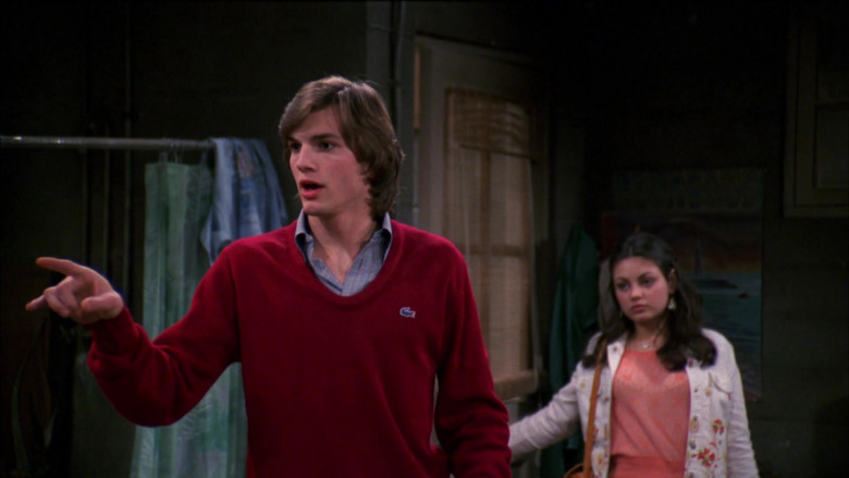 Lacoste Red Sweater and Shirt Collar Outfit of Ashton Kutcher as Michael Kelso in That '70s Show S03E19 (2)