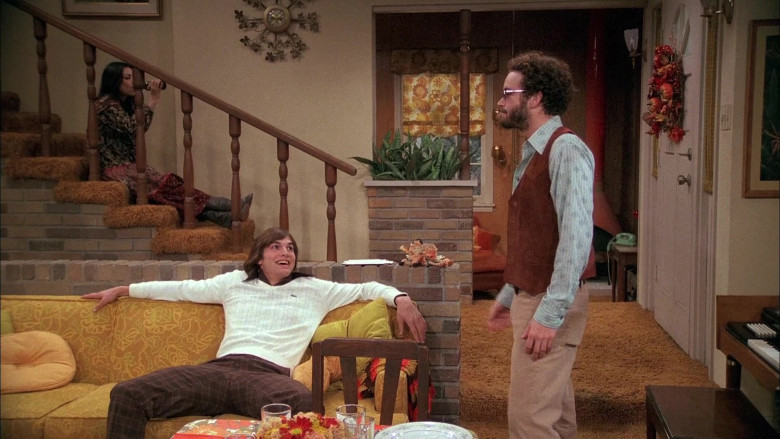 Lacoste Sweater (White) Outfit of Ashton Kutcher as Michael Kelso in That '70s Show Season 5 Episode 8 (1)