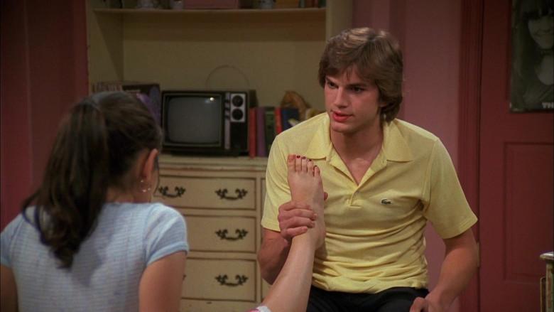 Lacoste Yellow Fashion Shirt of Ashton Kutcher as Michael in That '70s Show S04E26 (3)