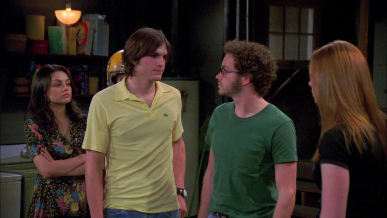 Lacoste Yellow Shirt Outfit of Young Ashton Kutcher in That '70s Show S06E25 (2)
