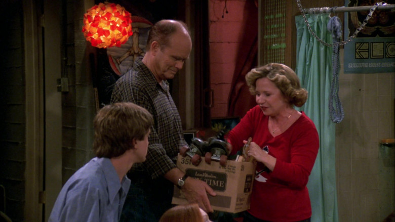 Lamb Weston Box Held by Kurtwood Smith as Red Forman in That '70s Show (1)