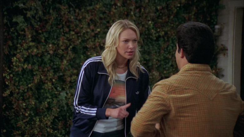Laura Prepon as Donna Wears Adidas Jacket, Nature Print T-Shirt and Women's Flared Jeans Outfit in That '70s Show (1)
