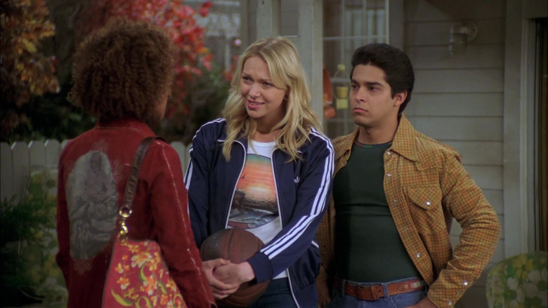 Laura Prepon as Donna Wears Adidas Jacket, Nature Print T-Shirt and Women's Flared Jeans Outfit in That '70s Show (2)