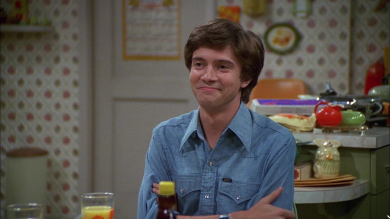 Lee Blue Shirt Outfit of Topher Grace as Eric in That '70s Show S04E05 (1)
