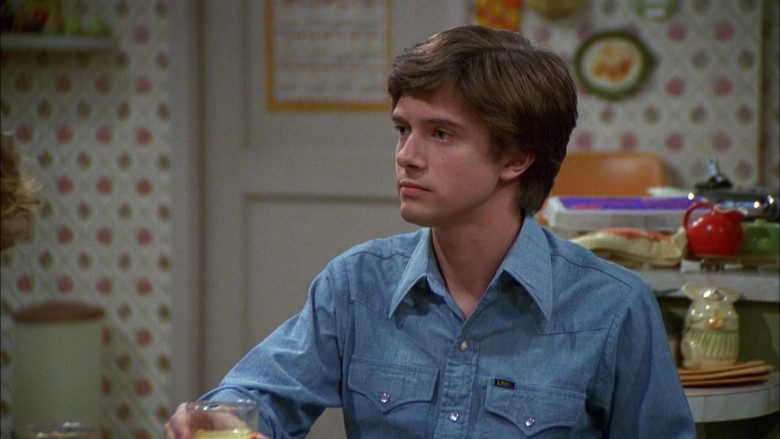 Lee Blue Shirt Outfit of Topher Grace as Eric in That '70s Show S04E05 (2)
