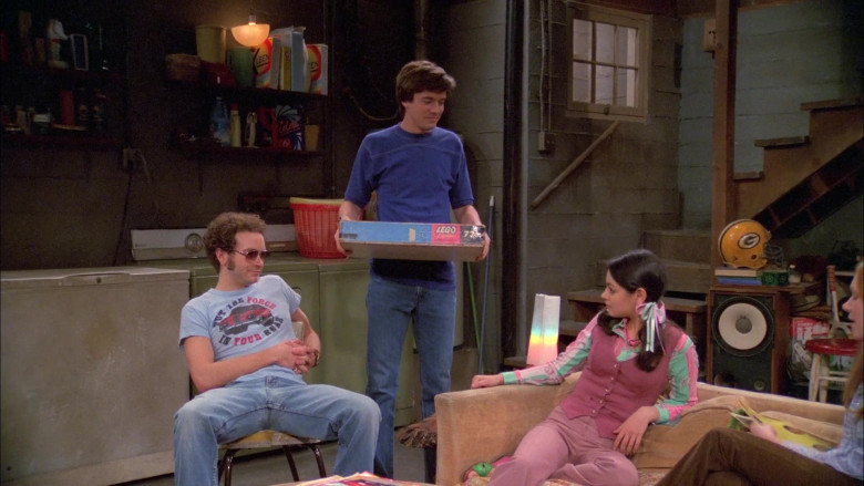 Lego in That '70s Show S05E19 (1)