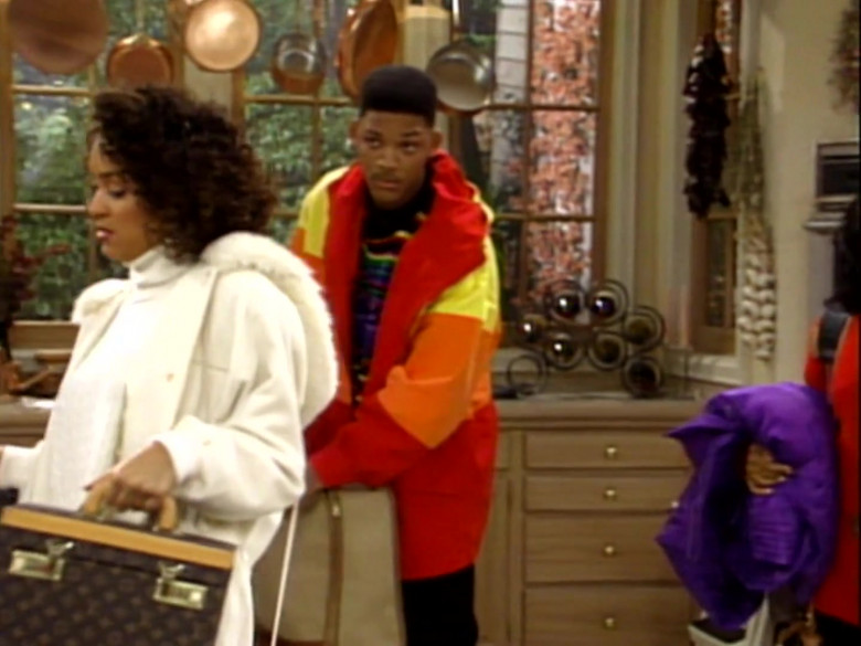Louis Vuitton Bag of Karyn Parsons as Hilary Banks in The Fresh Prince of Bel-Air S02E13 (3)