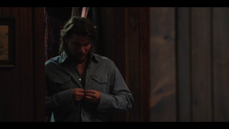 Luke Grimes as Kayce Wears Wrangler Shirt Cowboy Style in Yellowstone S03E08 TV Show (1)