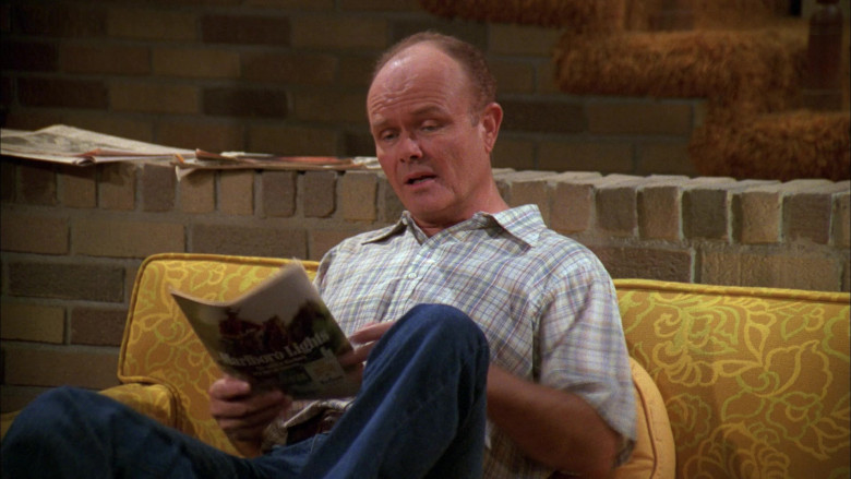 Marlboro Lights Magazine Advertising Held by Kurtwood Smith as Red Forman in That '70s Show S01E08