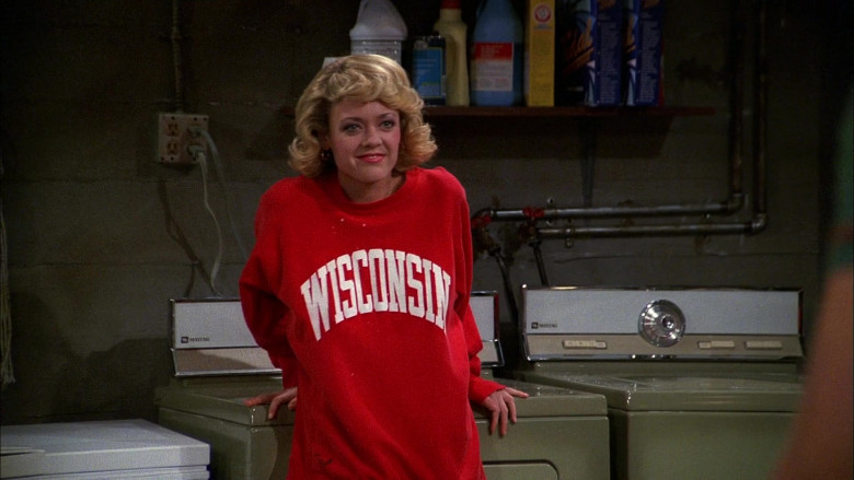 Maytag Laundry Appliances in That '70s Show (2)