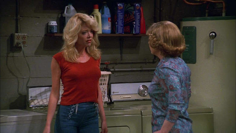 Maytag Washing Machines in That '70s Show S02E23