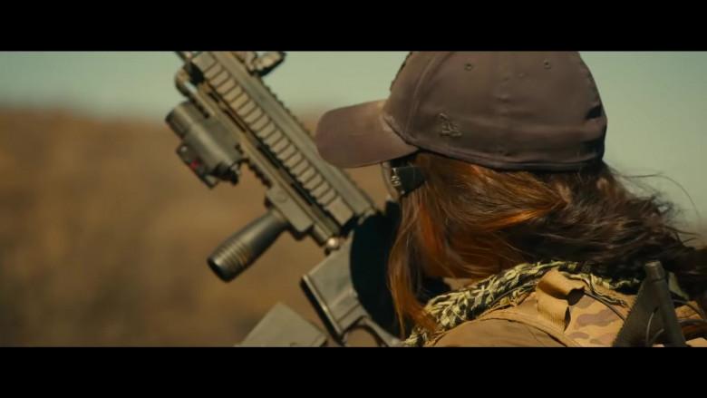 Megan Fox Wears New Era New York Yankees Black Cap in Rogue Movie (2)