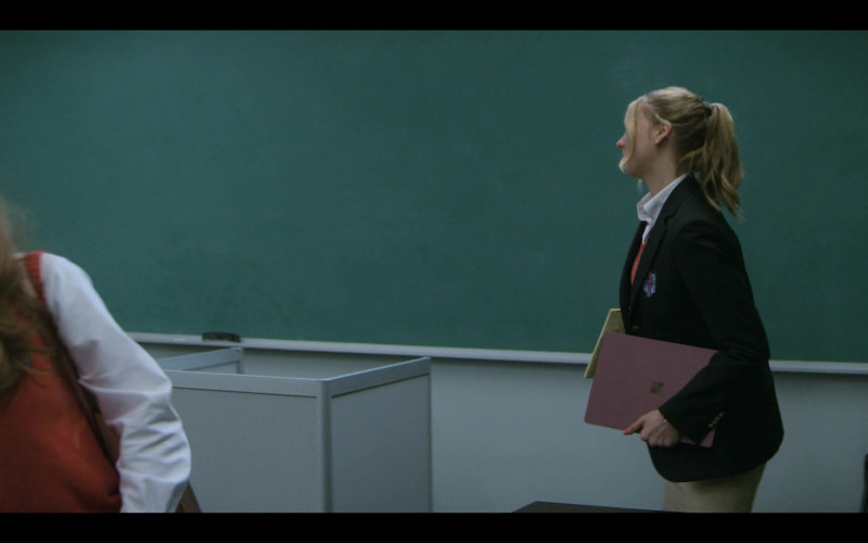 Microsoft Surface Laptop of Maddie Phillips as Sterling in Teenage Bounty Hunters S01E06 (1)