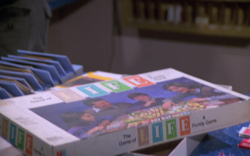 Milton Bradley The Game of Life Board Game in That '70s Show S02E18 (1)