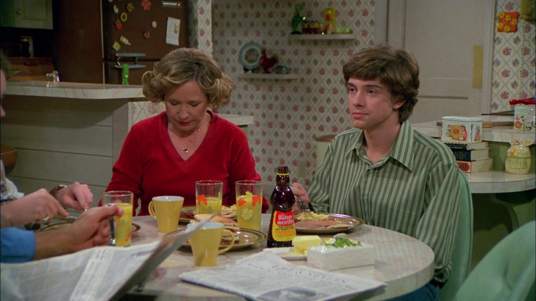 Mrs. Butterworth's Syrup in That '70s Show S02E13 (1)
