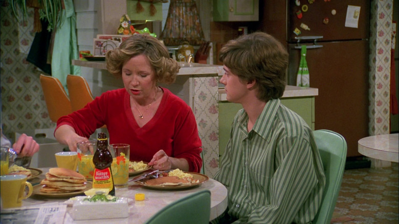 Mrs. Butterworth's Syrup in That '70s Show S02E13 (2)
