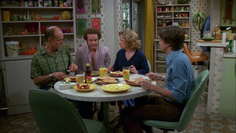 Mrs. Butterworth's Syrup in That '70s Show S04E05 (1)