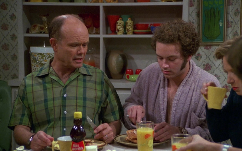 Mrs. Butterworth's Syrup in That '70s Show S04E05 (2)