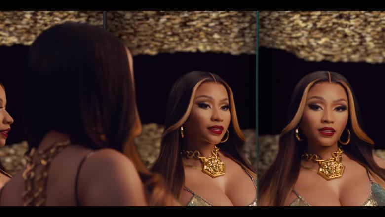 Nicki Minaj Wears Versace Gold Chain Necklace Huge Medusa in Expensive Music Video (1)