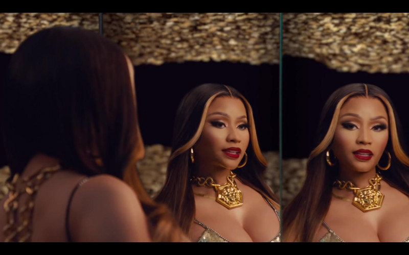 Nicki Minaj Wears Versace Gold Chain Necklace Huge Medusa in Expensive Music Video (1)
