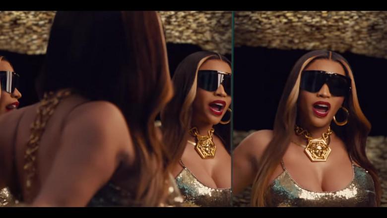 Nicki Minaj Wears Versace Gold Chain Necklace Huge Medusa in Expensive Music Video (3)