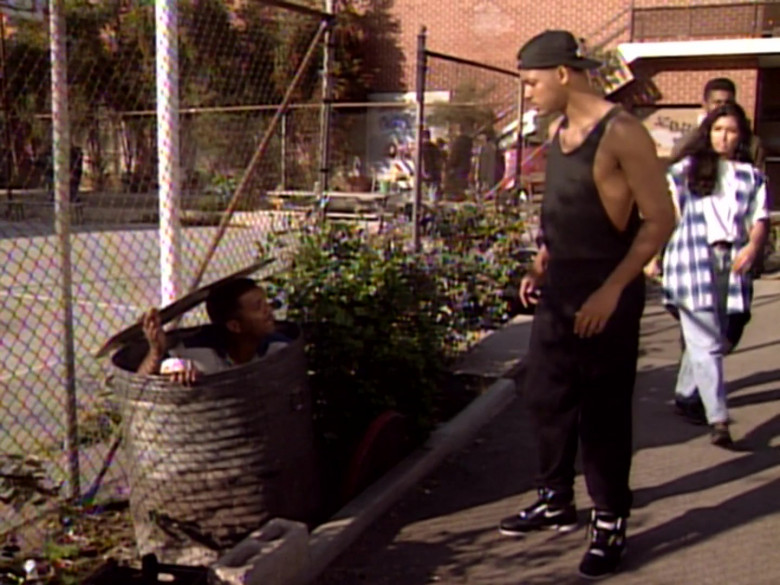Nike Black High Top Sneakers of Will Smith in The Fresh Prince of Bel-Air S04E26 (4)