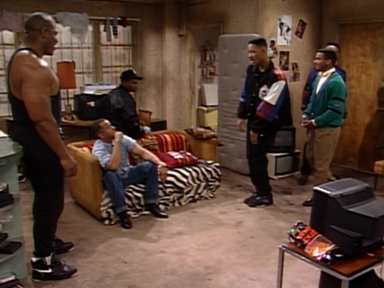Nike Black Sneakers Worn by Actor in The Fresh Prince of Bel-Air S01E23