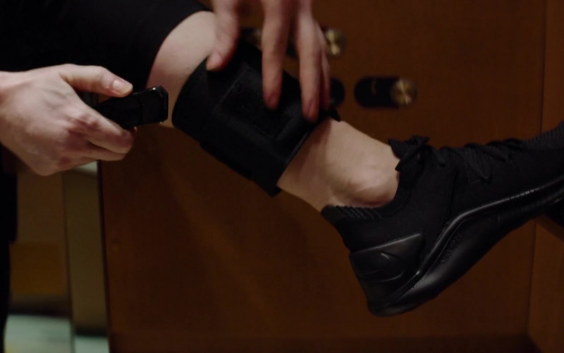 Nike Black Sneakers of Jessica Chastain in Ava (2020)