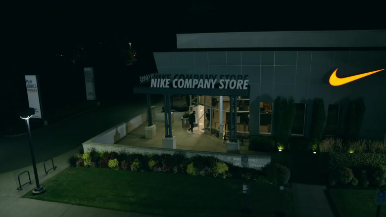 Nike Company Store in Laugh Now Cry Later by Drake (1)