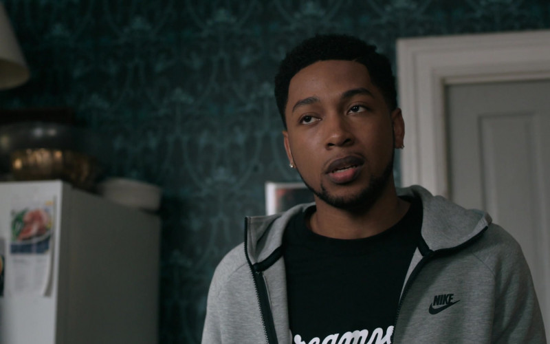 Nike Men's Gray Hoodie in The Chi S03E07