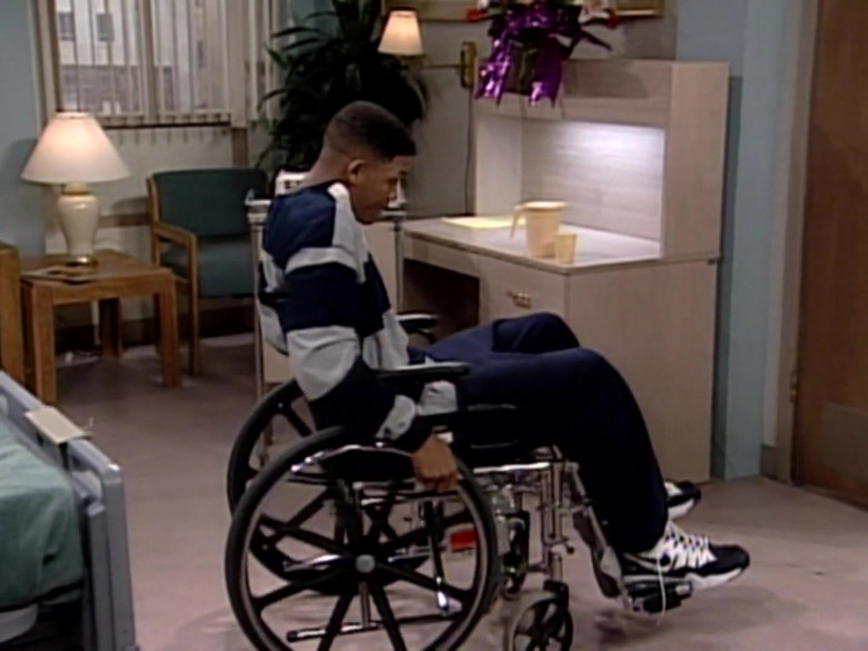 Nike Shoes of Will Smith in The Fresh Prince of Bel-Air S05E16 (1)