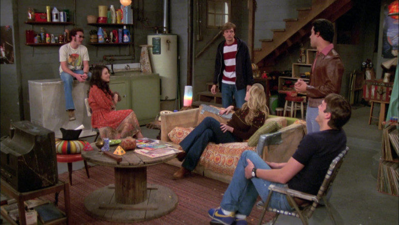 Nike Sneakers, Black Tee and Jeans Outfit Worn by Ashton Kutcher as Michael Kelso in That '70s Show S07E20