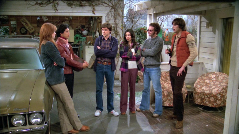 Nike Sneakers, Blue Jeans, Plaid Shirt and Hoodie Outfit Style of Topher Grace as Eric in That '70s Show (2)