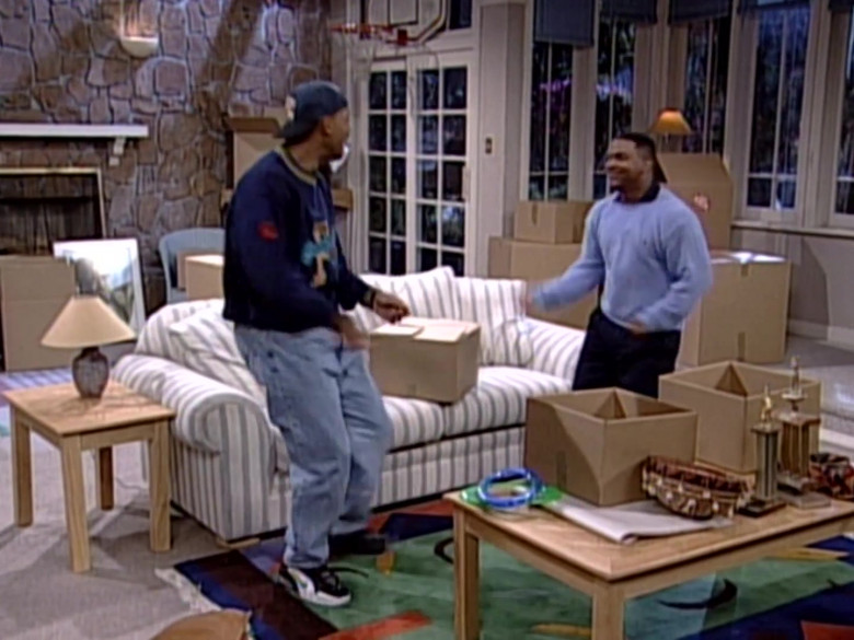 Nike Sneakers, Blue Sweatshirt and Jeans Outfit Worn by Will Smith in The Fresh Prince of Bel-Air S06E24 (2)