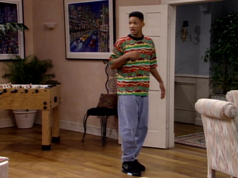 Nike Sneakers, Jeans and Colorful Print T-Shirt Outfit Worn by Will Smith (3)