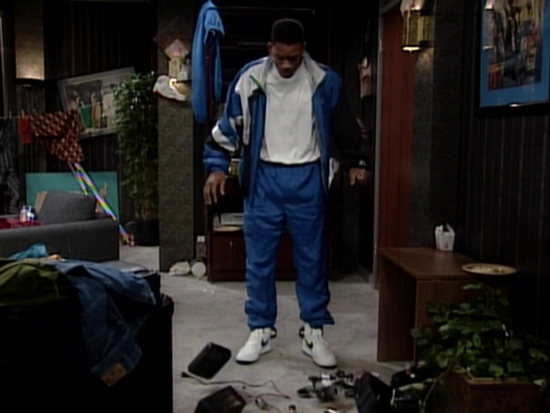 Nike White Shoes of Will Smith in The Fresh Prince of Bel-Air S05E02 (2)