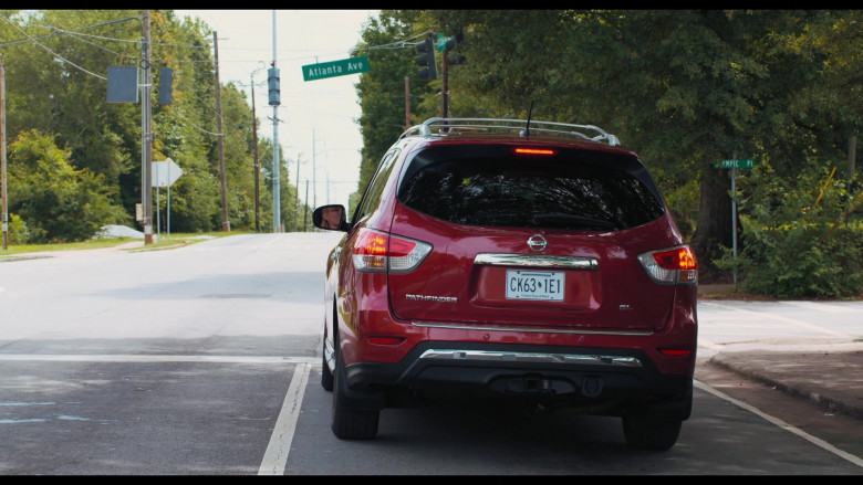 Nissan Pathfinder SL Red SUV in The War with Grandpa 2020 Movie (1)